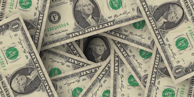 ドル安になると儲かる株式とは?